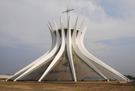 """Катедрала """"Catedral Metropolitana Nossa Senhora Aparecida"""" - Бразил"""